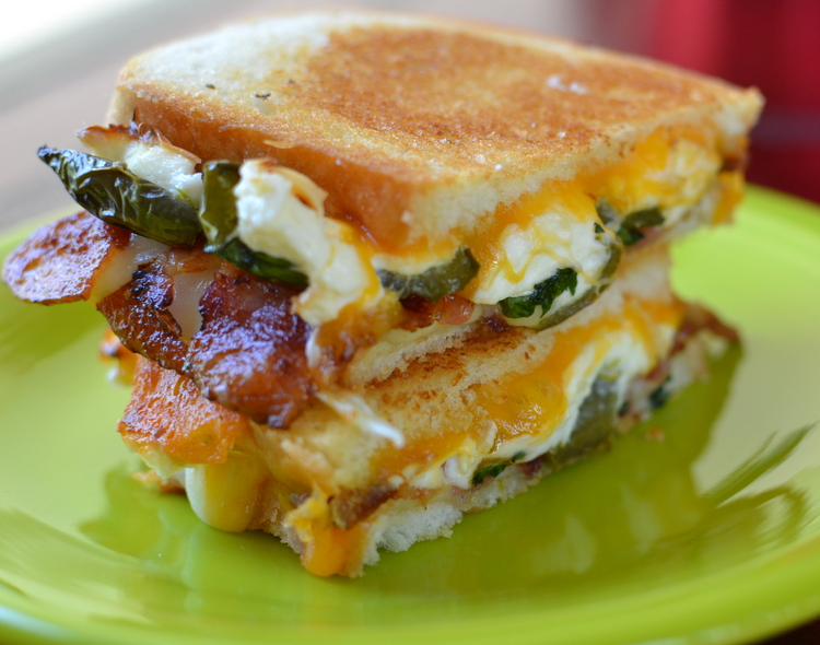 jalapeno-poppers-grilled-cheese